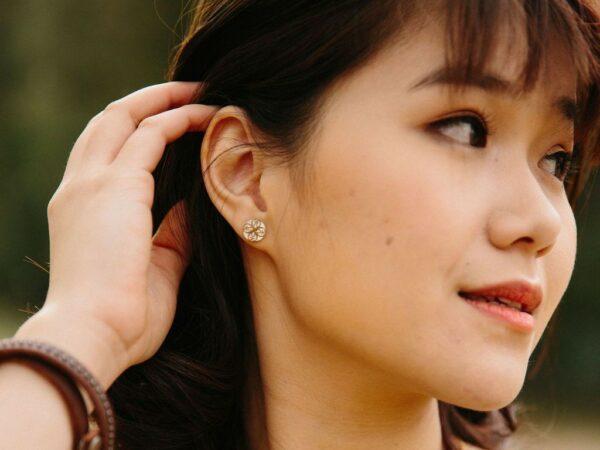 Maile White Pattern Stud Earrings