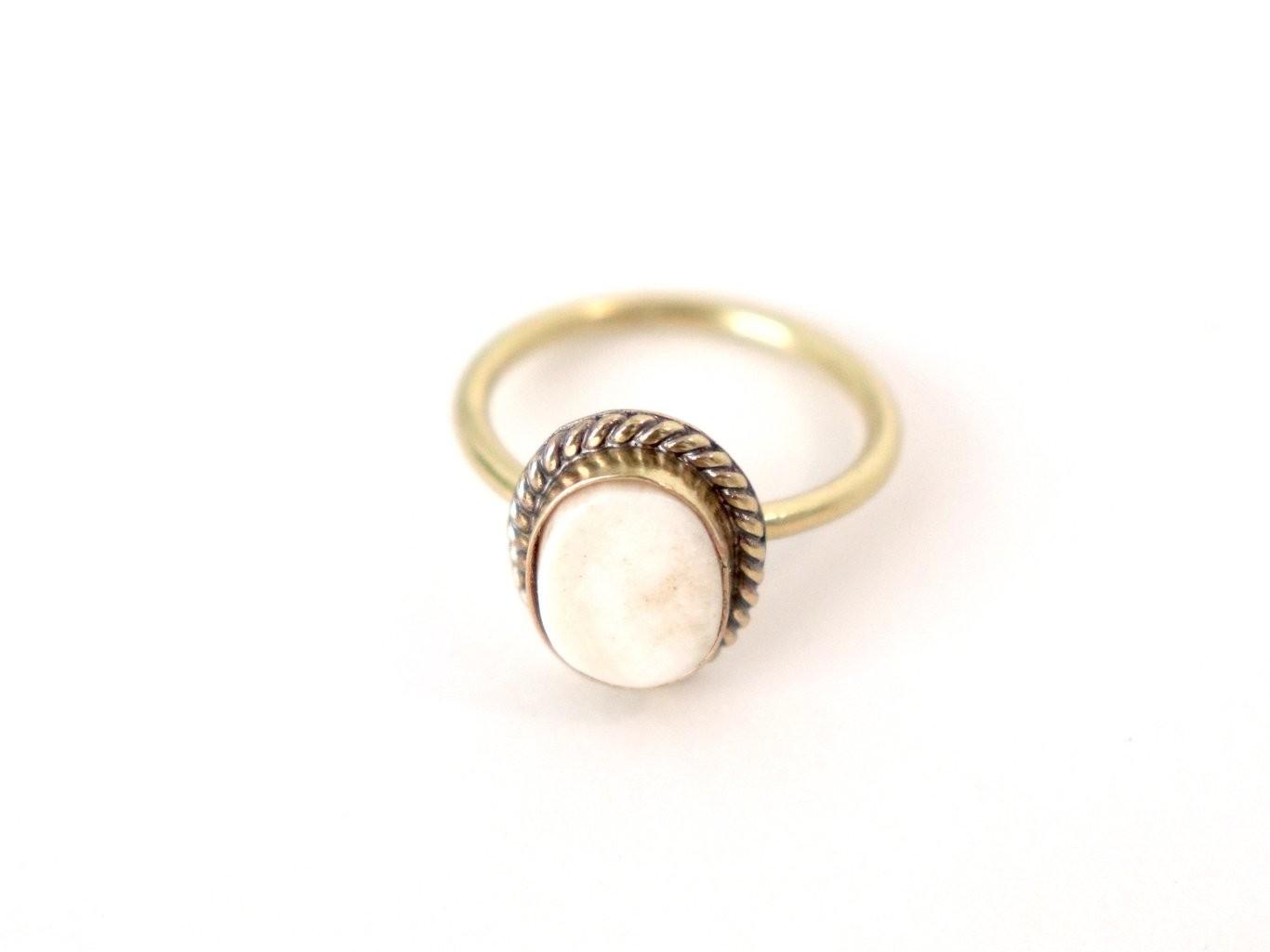 Boudron Brass Ring – Bone