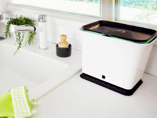 Odor-Free Kitchen Compost Collector Bin