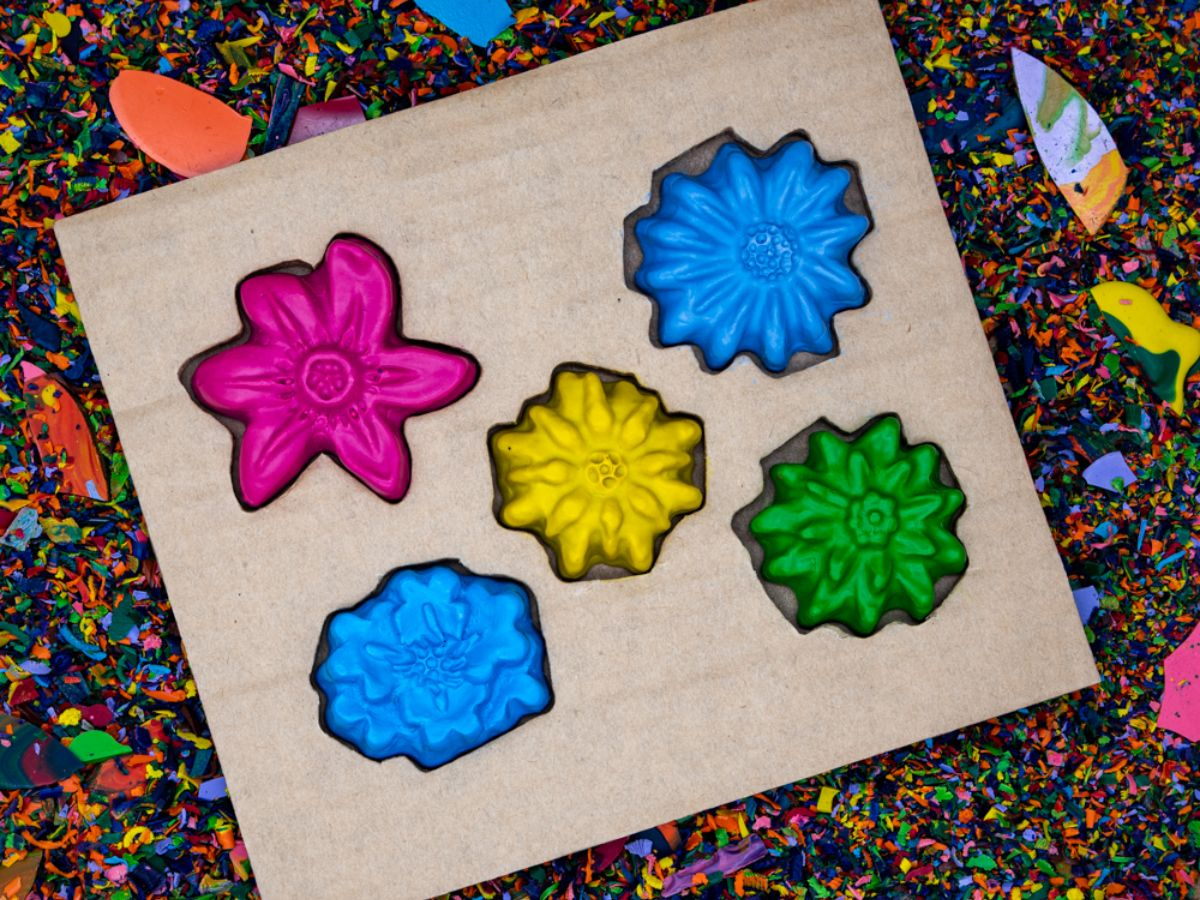 Recycled Flower Crayon Set