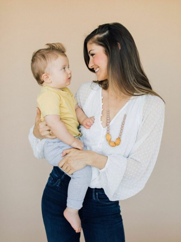 The Austin Teething Necklace - Desert Taupe