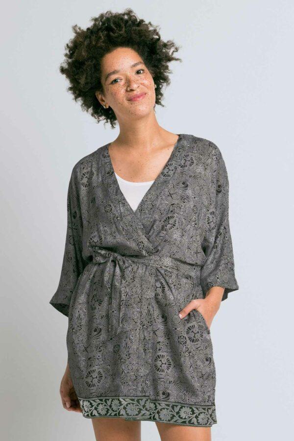 Varasi Short Robe